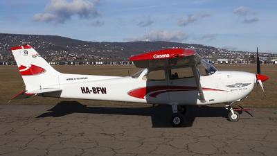 HA-BFW - Reims-Cessna F172N Skyhawk - Fly Coop
