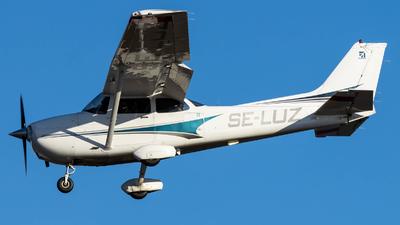 SE-LUZ - Cessna 172S Skyhawk SP - Private
