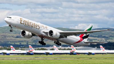 A6-EBU - Boeing 777-31HER - Emirates