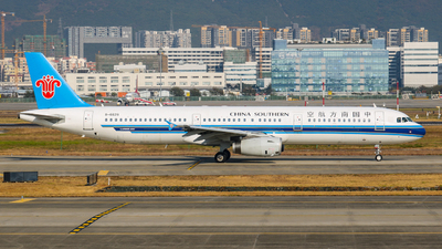 A picture of B6629 - Airbus A321231 - China Southern Airlines - © libohang