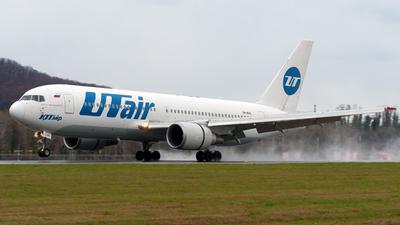 A picture of VPBAG - Boeing 767224(ER) - UTair - © Alexander Lebedev