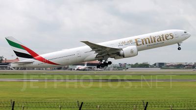 A6-EGS - Boeing 777-31HER - Emirates