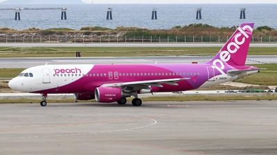 JA813P - Airbus A320-214 - Peach Aviation