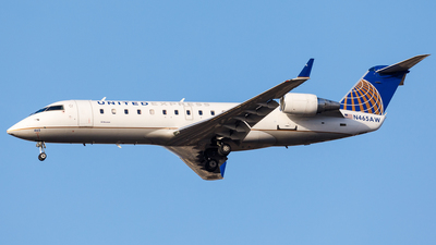 N465AW - Bombardier CRJ-200LR - United Express (Air Wisconsin)