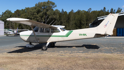 A picture of VHRPL - Cessna 172N Skyhawk - [17269292] - © Tony Coles