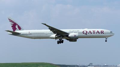 A picture of A7BEM - Boeing 7773DZ(ER) - Qatar Airways - © Mingfei S