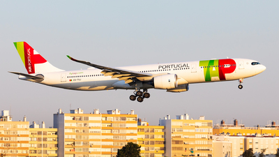 A picture of CSTUJ - Airbus A330941 - TAP Air Portugal - © Carlos Miguel Seabra