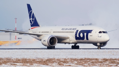 SP-LRF - Boeing 787-8 Dreamliner - LOT Polish Airlines