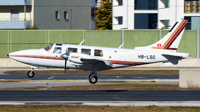 A picture of HBLSG - Piper PA60602P Aerostar - [608265033] - © Jeremy Denton