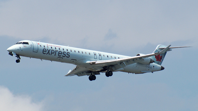 C-GOJZ - Bombardier CRJ-705LR - Air Canada Express (Jazz Aviation)