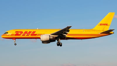 A picture of HP1910DAE - Boeing 75727A(PCF) - DHL - © Racso Smet