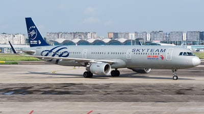 B-8977 - Airbus A321-211 - China Eastern Airlines