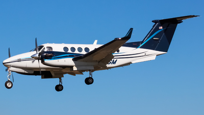 N524GM - Beechcraft B200 Super King Air - Private