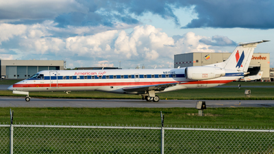 A picture of N815AE - Embraer ERJ140LR - American Airlines - © Kevin Sung