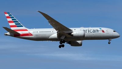 A picture of N817AN - Boeing 7878 Dreamliner - American Airlines - © Maximilian Haertl