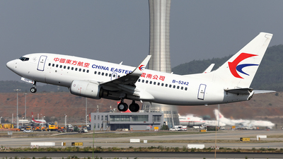 B-5242 - Boeing 737-79P - China Eastern Airlines