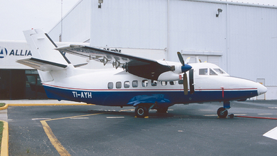 TI-AYH - Let L-410UVP Turbolet - Travelair