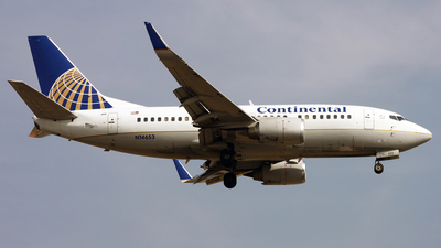 N14653 - Boeing 737-524 - Continental Airlines