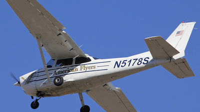 A picture of N5178S - Cessna 172R Skyhawk - [17281097] - © Orlando Suarez