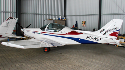 PH-NEY - Alpi Pioneer 300 - Private