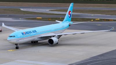 A picture of HL7552 - Airbus A330223 - Korean Air - © Lorenz Kafenda