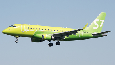 A picture of VQBYR - Embraer E170SU - S7 Airlines - © Alexey Prokhorov