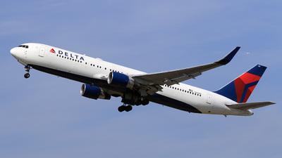 N181DN - Boeing 767-332(ER) - Delta Air Lines
