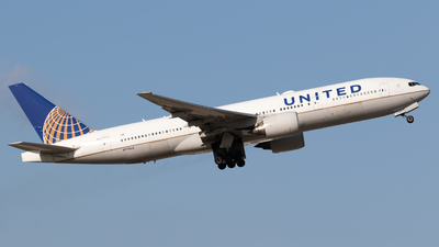 A picture of N773UA - Boeing 777222 - United Airlines - © Shattuck Bell