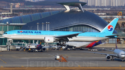 HL7783 - Boeing 777-3B5ER - Korean Air