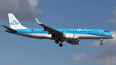 A picture of PHEXY - Embraer E190STD - KLM - © Tombarelli Alessandro