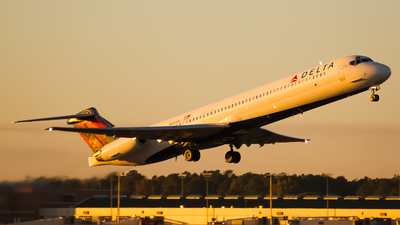 N965DL - McDonnell Douglas MD-88 - Delta Air Lines