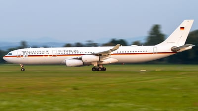 16-01 - Airbus A340-313X - Germany - Air Force