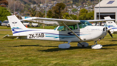 ZK-TAB - Cessna 172N Skyhawk II - Tauranga Aero Club