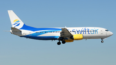 A picture of N420US - Boeing 737401 - Swift Air - © Alexander Portas