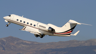 A picture of N490QS - Gulfstream IV - NetJets - © Chris_N