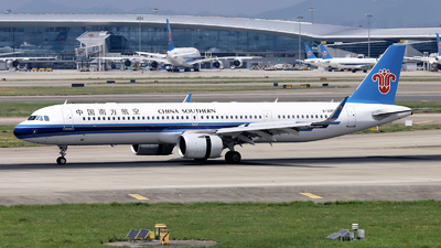 B-30FW - Airbus A321-253NX - China Southern Airlines