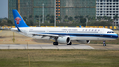 B-30EY - Airbus A321-253NX - China Southern Airlines