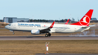 A picture of TCJVF - Boeing 7378F2 - Turkish Airlines - © JariPK