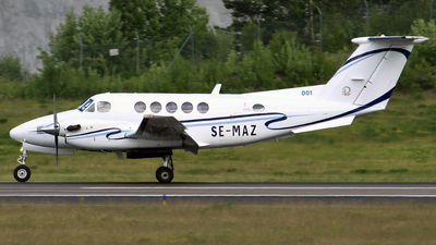 SE-MAZ - Beechcraft B200 Super King Air - Svensk Flygambulans