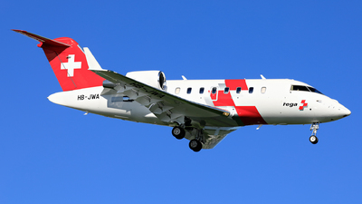 A picture of HBJWA - Bombardier Challenger 650 - Swiss AirAmbulance - © photogiap