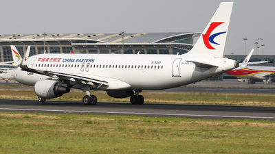 A picture of B8855 - Airbus A320214 - China Eastern Airlines - © Captain Zhang