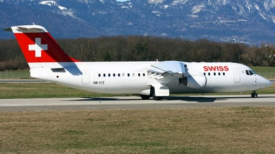 HB-IYZ - British Aerospace Avro RJ100 - Swiss