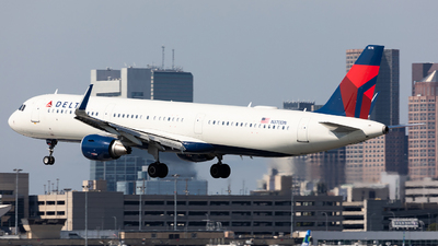A picture of N370DN - Airbus A321211 - Delta Air Lines - © HAOFENG YU