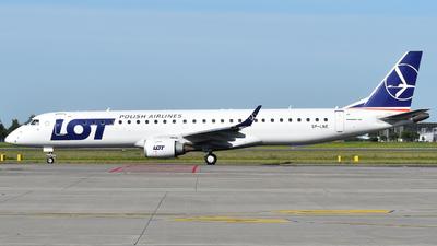 A picture of SPLNE - Embraer E195LR - LOT - © Bartosz Karwowski