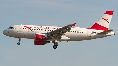 A picture of OELDE - Airbus A319112 - Austrian Airlines - © Sebastian K