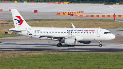 A picture of B8856 - Airbus A320214 - China Eastern Airlines - © Xuanting Wang