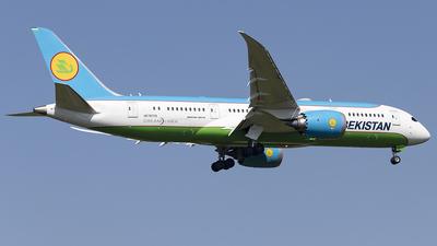 A picture of UK78705 - Boeing 7878 Dreamliner - Uzbekistan Airways - © Sam Randles