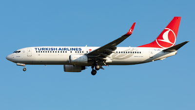 A picture of TCJFV - Boeing 7378F2 - Turkish Airlines - © Sebastian Sowa