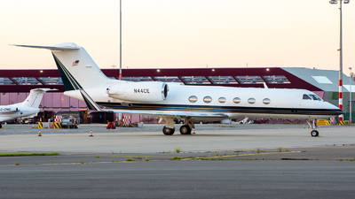 N44CE - Gulfstream G-IV - Private
