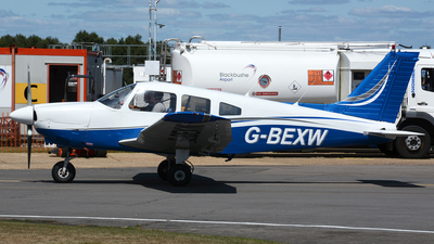 G-BEXW - Piper PA-28-181 Cherokee Archer II - Private